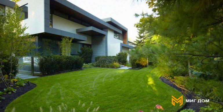 home-with-beautiful-garden-in-toronto-2
