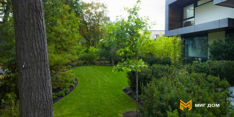 home-with-beautiful-garden-in-toronto-3